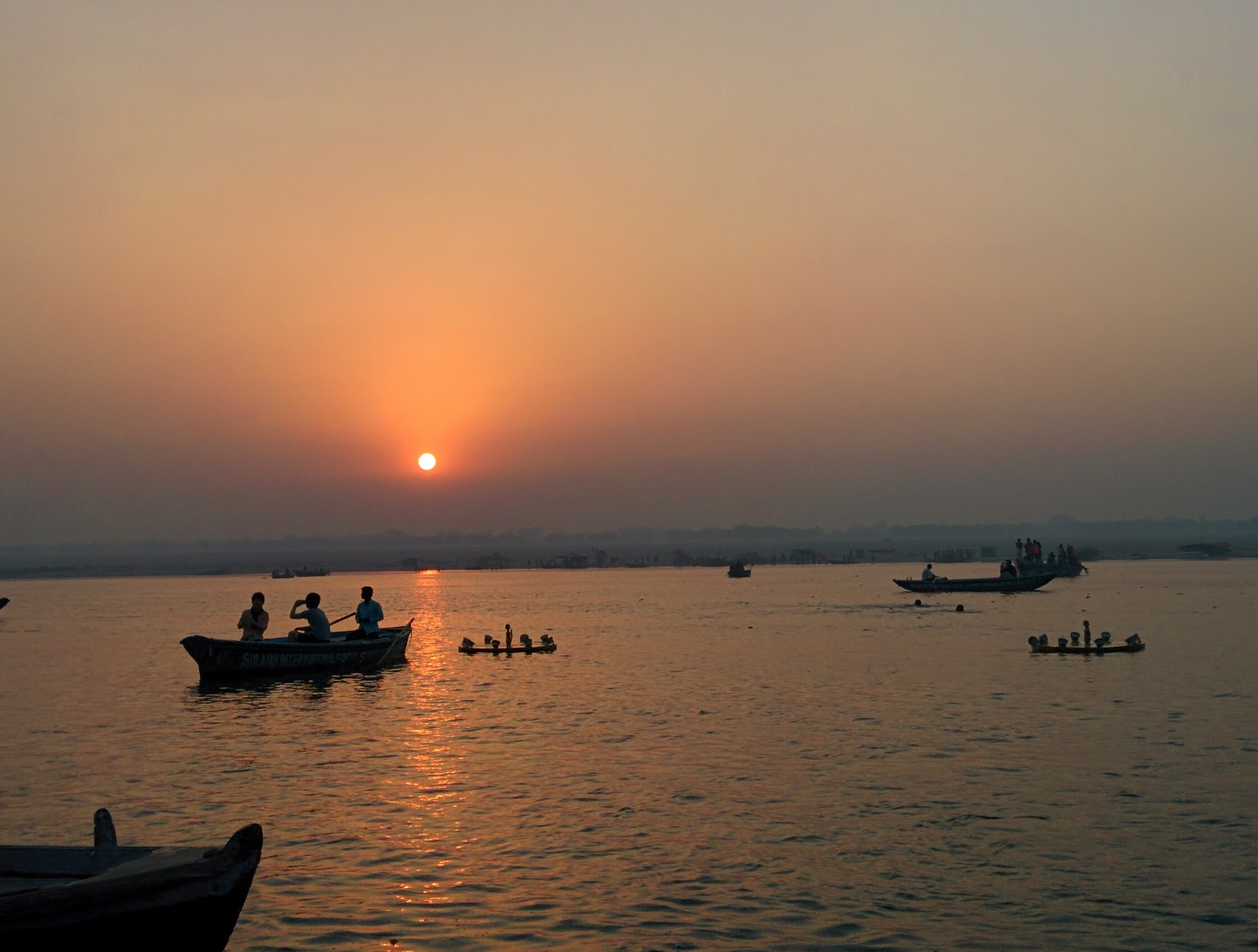 Dawn cruise on Ganges