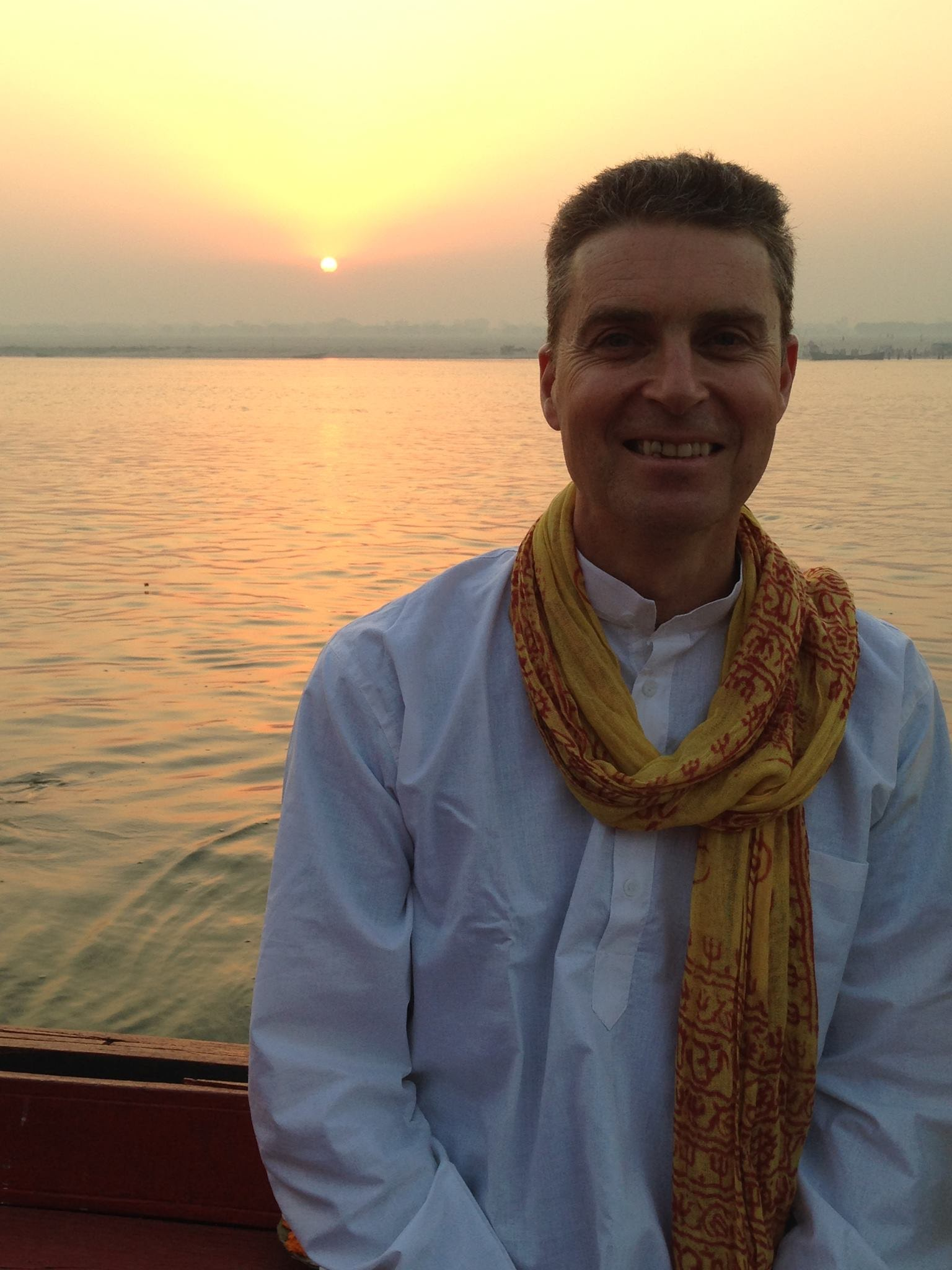 Dawn on the Ganges 2