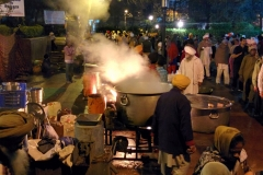 Dawn chai for pilgrims